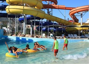 Gümüldür Aquapark Yalı Castle Kaydıraklar Dalga Havuzu
